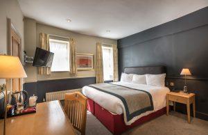 The-Swan-standard-double-bedroom-105