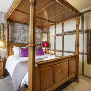 Room 108 Deluxe Suite